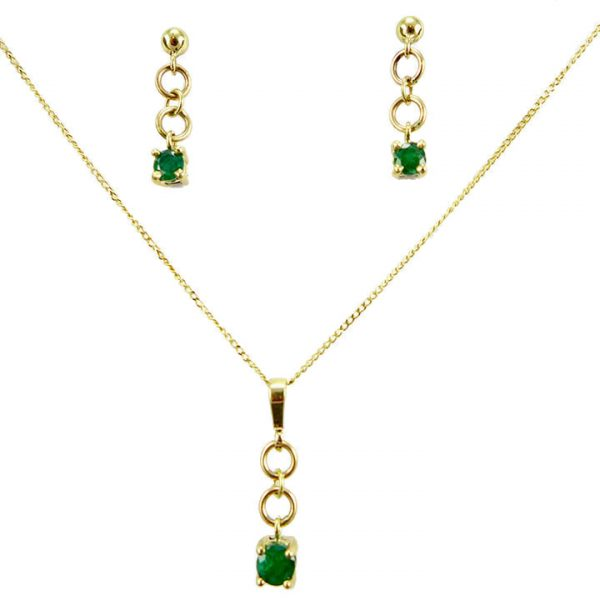 Emerald yellow gold drop earrings and pendant