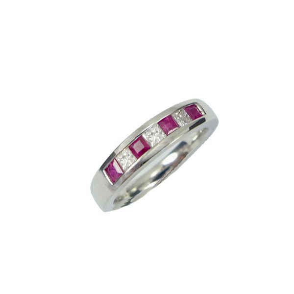 Ruby diamond white gold ring