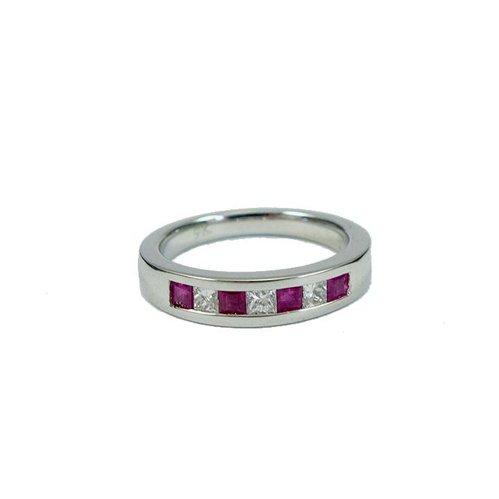 Ruby diamond white gold ring