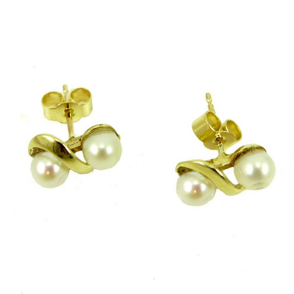 Pearl and yellow gold twist stud earring